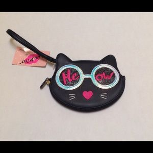 Bestsy Johnson Wristlet.   🐱. 💋.     NWT